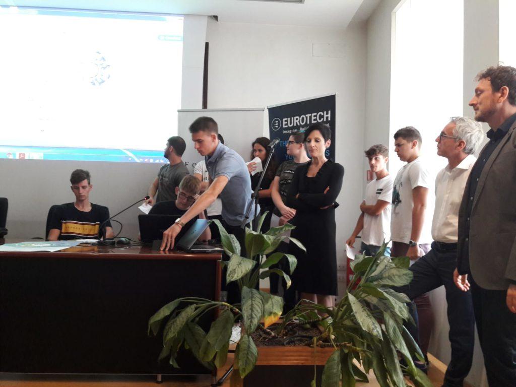 3. La presentazione degli studenti