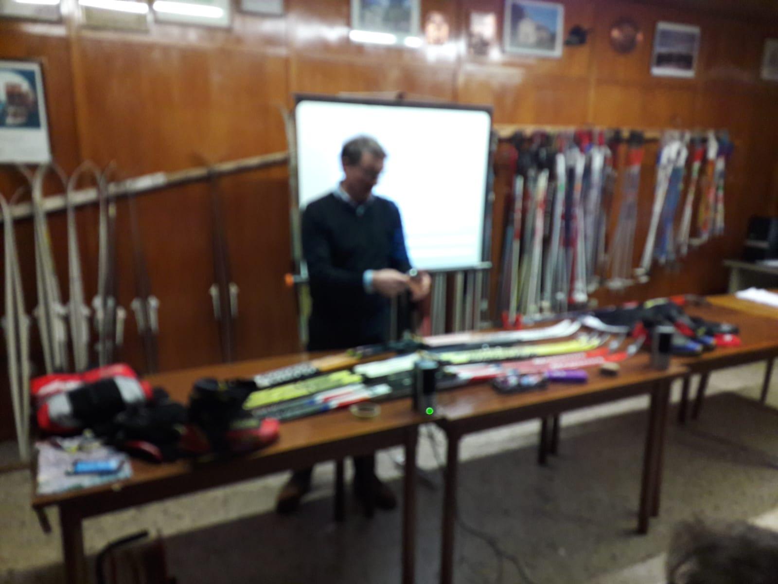 La bella lezione di Franco su sci e accessori