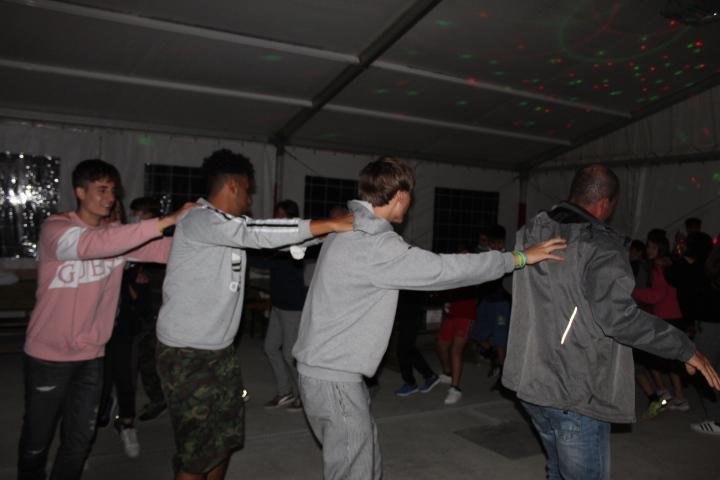 Balli con distanziamento